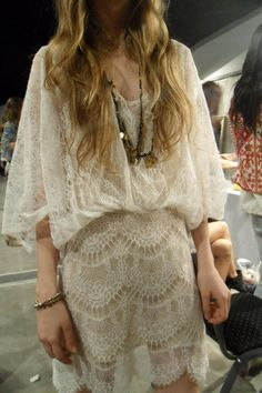 Love this lace dress Boho Gypsy, Bohemian Style, Boho Chic, Chic Dress, Lace Dress, Dress Up, Boho Outfits, Pretty Outfits, Fashion Outfits