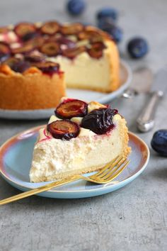 Semolina pudding with plums Bake to the roots- Grießbreikuchen mit Zwetschgen Semolina Pudding, Dessert Halloween, Cake Recipes, Dessert Recipes, Chocolate Chip Cake, Chocolate Brownies, Food Cakes, Savoury Cake, Cakes And More