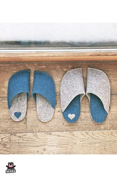 Unique, useful, and thoughtful gift for your parents or parents in law. For Christmas, anniversary, birthday . Vey comfy and stylish slippers. Christmas Gifts For Parents, Gifts For Mom, Wedding Gifts For Bride And Groom, Engagement Gifts For Couples, Blue Home Decor, Felted Slippers, Paper Packaging, Personalized Gifts, Handmade Gifts