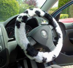 Black and White Cow print fuzzy faux fur car steering wheel cover furry and fluffy | Poppys Crafts#cowprint #fuzzysteeringwheelcover #blackandwhite #caraccessories #carinterior #faxufur Cool Car Accessories, Car Interior Accessories, Pink Car Interior, Car Interior Design, Pretty Cars, Cute Cars, Fuzzy Steering Wheel Cover, Hello Kitty Car, Hippie Car