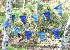 Repeat Crafter Me: Crochet Pennant Banner