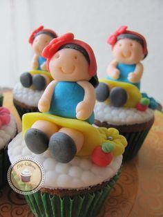 Cupcakes Top Cakes - Branca de Neve https://www.facebook.com/danielletopcakes