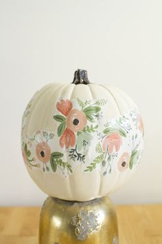 Floral Pumpkin - Carve-Free Pumpkin Decorating Ideas - Photos Using wrapping paper, Kastles shares this genius way of creating a floral pumpkin. No painting experience required! Fall Pumpkins, Halloween Pumpkins, Fall Halloween, Halloween Crafts, Halloween Decorations, White Pumpkins, Fall Decorations, Halloween Ideas, Halloween Stuff