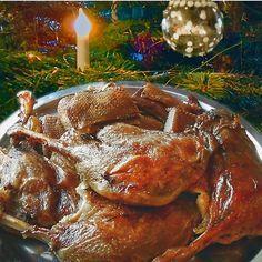 Klassisch gebratene weihnachtliche Gänsebrust und -keulen Rezept   Küchengötter