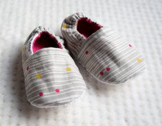 Gray Abstract Crib Shoes, Stripes and Dots Baby Shoes, Soft Sole Shoes, Baby Girl Shoes, Pink and Yellow