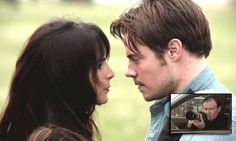 Jamás entenderemos qué le ven John Ross y Christopher a la insulsa Elena #Dallas