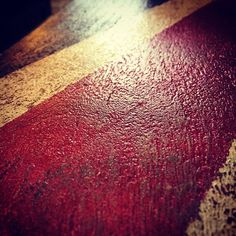 Union Jack inspired coffee table in the Auburn show suite @aviurban_ Jackson at Walden. I NEED ONE! #decoratingideas #yychomes #myneighbourhood #walden #sixfootcanasian #6FCA #yyc #aviurban