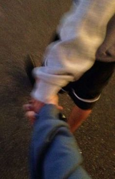 Holding hands while out walking Couple Tumblr, Tumblr Couples, Teen Couples, Couple Goals Relationships, Relationship Goals Pictures, Couple Relationship, Image Couple, Photo Couple, Hand Pictures