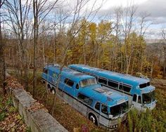 Arlo Guthries retired rigs! 1954 GMC Scenic Cruiser and a 1972 Silver Eagle.