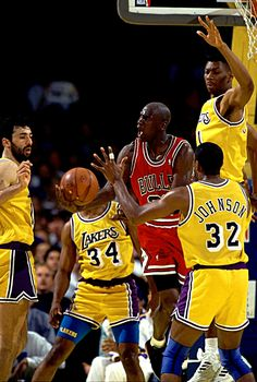 Jordan Against 4 Lakers, '91 Finals.