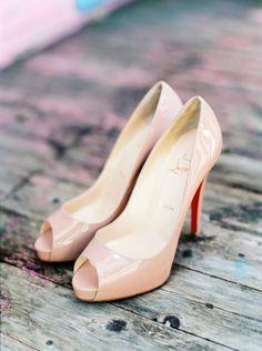 Peep toe Louboutins: http://www.stylemepretty.com/little-black-book-blog/2015/04/20/romantic-land-to-sea-destination-wedding/ | Photography: Branco Prata - http://www.brancoprata.com/
