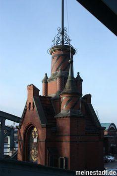 Turm an der Burgtorbrücke