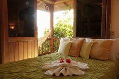 Foto de pousada vila boa vida Chalé Nusa Dua Bed, Furniture, Home Decor, Pretty Neat Living, Better Life, Decoration Home, Stream Bed, Room Decor, Home Furnishings