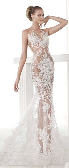 Divine, divine, divine! Modern elegance is oozing out of all the wedding dresses.