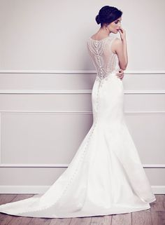The FashionBrides is the largest online directory dedicated to bridal designers and wedding gowns. Find the gown you always dreamed for a fairy tale wedding. Wedding Dress Types, Wedding Dresses 2014, Wedding Bridesmaid Dresses, Bridal Dresses, Wedding Gowns, Wedding Outfits, Wedding Bells, Wedding Gown Gallery, Princess Ball Gowns