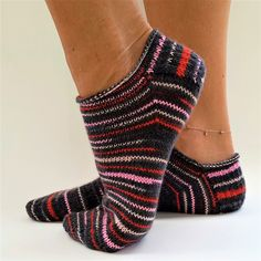 fritzicreativ – Socktober 2018 - Knitting for Beginners How Do You Knit, Learn How To Knit, How To Start Knitting, Knitting For Beginners, Simply Knitting, Easy Knitting, Knitting Socks, Knitting Patterns, Debbie Macomber