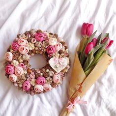 Easter Wreaths, Floral Wreath, Crocheting, Flowers, Decor, Stuff Stuff, Flower Crowns, Crochet, Floral Crown