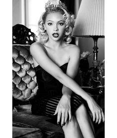 #Black @jordynjones Monroe inspired shoot @bonnienichoalds @christinaturino…
