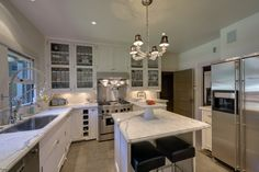 love this kitchen but i would do dark hardwood floors