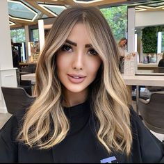 There are many ways to improve your appearance this season, one of them is by switching your hair color. Cool Brown Hair, Highlights For Dark Brown Hair, Brown Blonde Hair, Light Brown Hair, Light Hair, Hair Highlights, Highlights For Brunettes, Face Frame Highlights, Hair Lights
