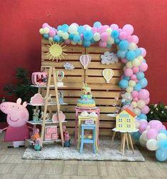 Balloon garland and theme (sun, cloud, parachute)]+ Peppa Pig Birthday Decorations, Peppa Pig Birthday Cake, Peppa Pig Party Ideas, Fiestas Peppa Pig, Peppa Pig Balloons, 4th Birthday Parties, 3rd Birthday, Craft, Ideas Decoración