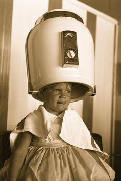 Girl under hair dryer, 1958 - Carefully selected by GORGONIA www. Ethnic Hairstyles, African American Hairstyles, Retro Hairstyles, Vintage Hair Salons, Hair Trim, Healthy Hair Tips, Hair Shop, Hair Raising, Hair Care Tips
