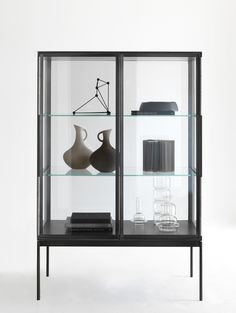 Glass and aluminium display cabinet GALERIST by Lema | design Christophe Pillet