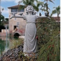 Design Toscano Basking In God's Glory 18-In Children Garden Statue Ng3