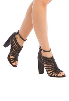 The caged silhouette of this casual-chic LEILA STONE heel is ultra-flattering. Crazy Shoes, Me Too Shoes, Shoe Dazzle, Types Of Shoes, I Love Fashion, Beautiful Shoes, Casual Chic, Shoe Boots, Pumps