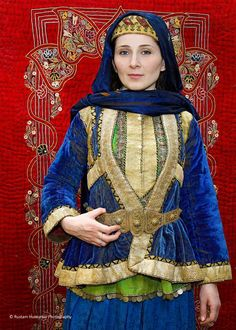 ♔ ☪ Azerbaijan national dress / folk costume Gypsy Costume, Folk Costume, Ethnic Fashion, Love Fashion, Costumes Around The World, Anthropologie, Folk Clothing, Indian Textiles, World Cultures