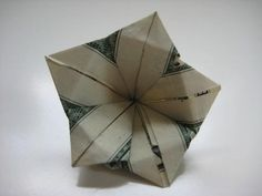 Origami Easy Dollar Bill Flowers - Repeat the steps to make a total of four identically folded. Make the initial creases. Money Origami 10 Flowers To Fold Using A Dollar Bill Dollar Of . Money Origami Heart, Origami Money Flowers, Origami Star Box, Origami Paper, Origami Folding, Origami Boxes, Paper Folding, Oragami Money, Origami Tooth