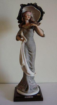 Giuseppe Armani | Damina capodimonte scultura di Giuseppe Armani (TA/CER06/G/425)