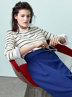 Women > Sweaters & Cardigans Striped crew-neck sweater Contemporaine Contemporaine exclusive Attractive graphic stripes that bring your casual wardrobe to life Soft and ultra comfortable, fine stretch knit The model is wearing size small Ivory White Nylons, Mannequin, Modern Fashion, Pulls, Cheer Skirts, Crew Neck, Sweaters For Women, Bring It On, Turtle Neck