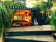 Stab Really Likes: Dion Agius' Byron Bay Forest Bungalow Container Home Designs, Cargo Container Homes, Container Cabin, Container Houses, 20ft Container, Container Store, Small Shipping Containers, Shipping Container Homes, Container Homes Australia
