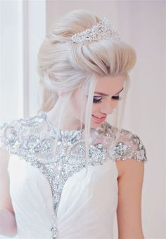 Stylish Bridal Wedding Hairstyles for Long With Tiara