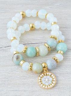 Les meilleures ventes Nos produits les plus populaires selon les ventes. Mises à jour chaque heure. Bracelet Love, Stone Bracelet, Girls Jewelry, Jewelry Accessories, Jewelry Design, Bohemian Bracelets, Beaded Bracelets, Matching Couple Bracelets, Catholic Jewelry