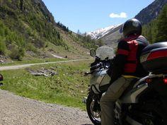 #Svizzera - #Passo Umbrail o #Giogo di Santa Maria.   Magnifico sterrato (facile) che dalla Mustertal porta sullo allo Stelvio.