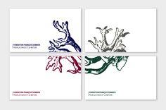 Dos des cartes de visites, le dessin de ramure vient animer, tout ou partie des documents, en enluminure couleur.