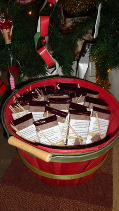 good idea... Christmas gift for neighbors... make lots and carry them around the neighborhood in a basket for delivery. (This family wrote a poem and gave chocolate.)