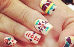 Diseños de uñas tribales faciles, diseños de uñas tribales azteca estilo azteca.   #diseñatusuñas #3dnailart #uñasdiscretas