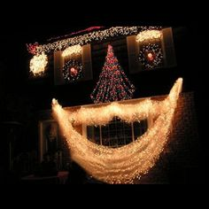 Outdoor Christmas Light Display Ideas | Lighting ideas is sparking here for your outdoor Christmas lighting.