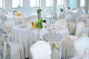 Piękna sala weselna w której odbywają się eleganckie wesela.