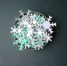 Let it snow - Snowflakes Confetti for Christmas Parties and Winter Weddings - Hand Punched, Frozen, Snowy Decorations Wedding Shoot, Wedding Reception, Dream Wedding, Wedding Day, Disney Frozen Party, Frozen Birthday Party, Fairytale Weddings, Winter Weddings, Christmas Parties