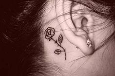 Diseños de tatuajes detrás de la oreja