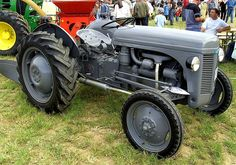 vintage tractors old fords / vintage tractors ` vintage tractors for sale ` vintage tractors models ` vintage tractors pictures ` vintage tractors old fords ` vintage tractors international harvester ` vintage tractors barns ` vintage tractors the farm Vintage Tractors For Sale, Antique Tractors, 8n Ford Tractor, New Tractor, Joint Venture, Coventry, Tracteur Massey Ferguson, Newcastle, Trucks