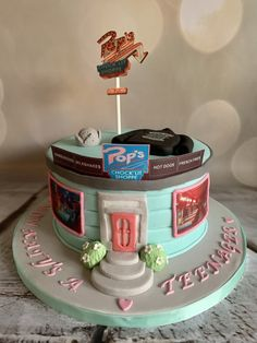 Riverdale - cake by Roberta 14th Birthday Cakes, Cookie House, Best Christmas Cookies, Birthday Party For Teens, Santa Cookies, Sugar Cookies Recipe, Cute Cakes, Gingerbread Man, Amazing Cakes