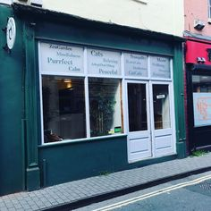 #Bristol cat cafe - age 10 so cant go in with kids