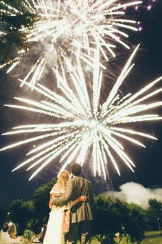 Beautiful fireworks photography for New Year's Eve wedding