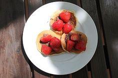Pancakes s Nutellou a jahodami Pancakes, Pancake, Crepes