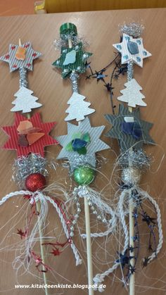 Making Christmas flower plugs with children You need: a long . Crafting Christmas flower plugs with children You need: a long wooden stick (available in every har Modern Nails, Master Bedroom Makeover, Happy Hanukkah, Nail Art Galleries, Flower Crafts, Christmas Treats, Plugs, Origami, Xmas